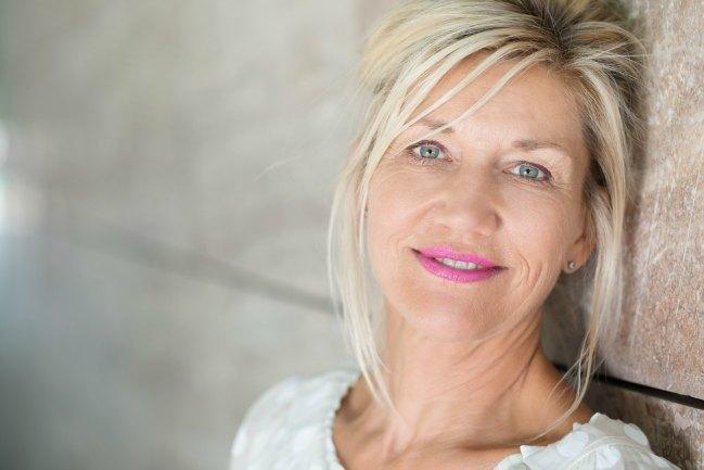 10 Ventajas de enamorarse de una mujer de 50 años o más