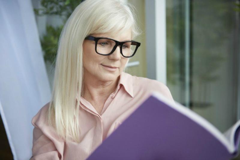 Cómo saber si necesitas lentes de lectura