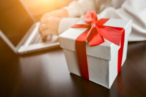 7 Cool virtual gifts to surprise mom with on Mother's day