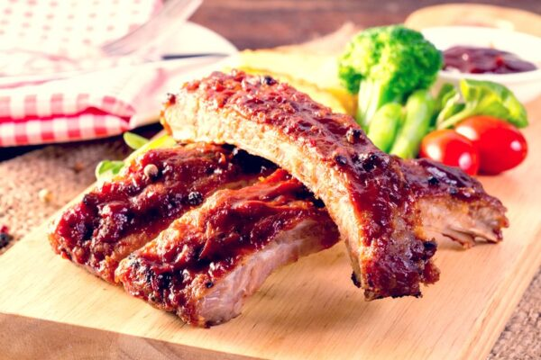 Here´s an easy recipe for some killer smoked barbecue ribs. It´s not the only way to cook them, but it´s how I like to make them juicy.
