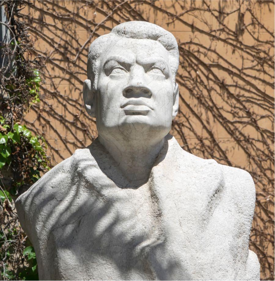 Ruben Dario, estatua