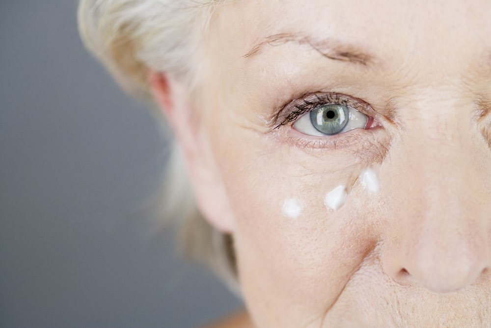 The eyes are quick to show signs of aging and fatigue. Here are some things you can do to have youthful eyes.