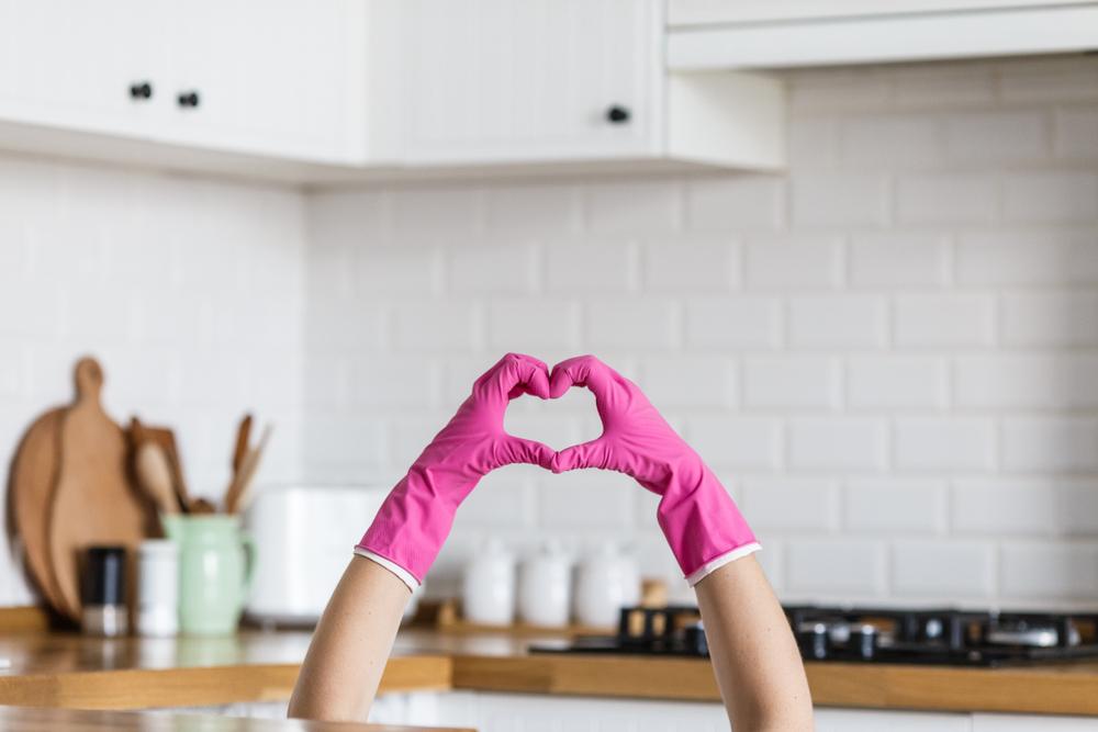 Las manos muestran antes que cualquier otra parte del cuerpo los efectos de la edad. Compartimos consejos para cuidarlas.
